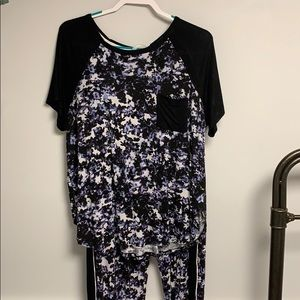 Simply Vera Wang Pajama set size large black&blue